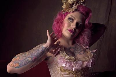 Model: Andrea Finch Instagram: @@annabelxlee Hair & Makeup: @@annabelxlee Corsets: Cheri & Joany @ocwonderlandstudios Host: @davedoeppel Group @lapinupsevents #wonderlandcorsets #vintage #circus #lapinupsevents
