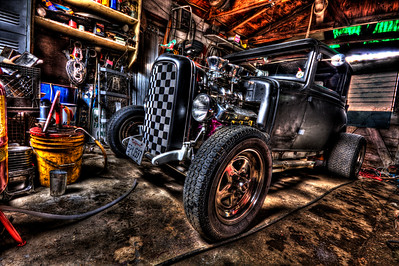 Mechanics Garage - © Simpson Brothers Photography