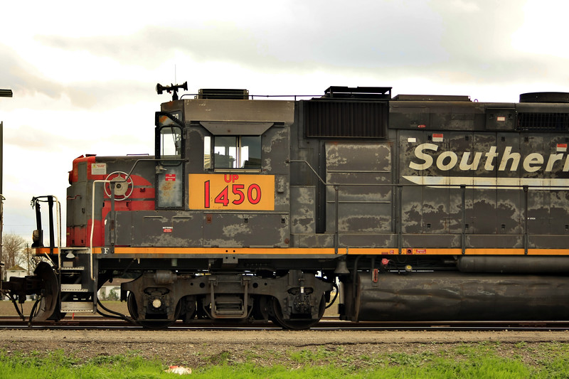 Southern Pacific 1450 Box Motor in Tracy California 2010 - © Simpson Brothers Photography