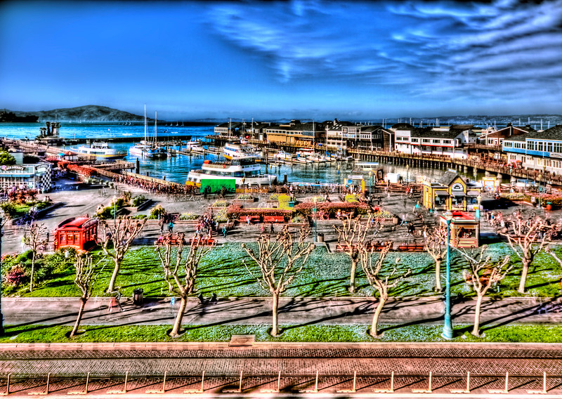 Pier 39 (right) & Pier 41 (left) with Forbes Island - © Simpson Brothers Photography