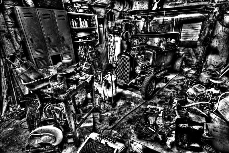 Mechanics Garage - © Simpson Brothers Photography
