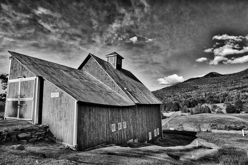 Grand View Barn - Late Afternoon, May 23, 2012