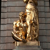 STOCKHOLM. KUNGLINGA DRAMATISKEN TEATREN. GOLDEN STATUE IN FRONT OF THE THEATRE.