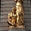 STOCKHOLM. KUNGLINGA DRAMATISKEN TEATREN. GOLDEN STATUE IN FRONT OF THE THEATRE.