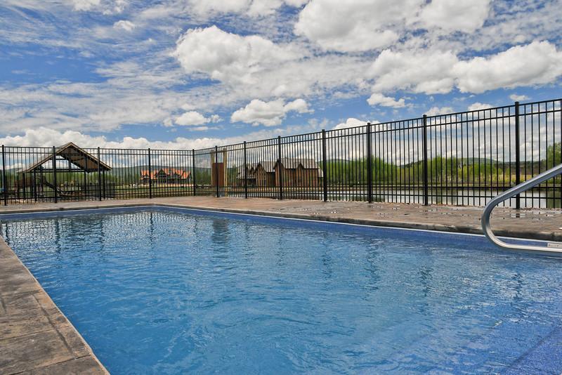 av-pool-large
