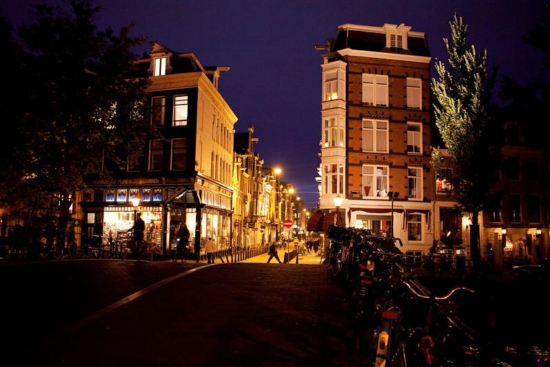 LANGE SPIEGELSTRAAT AT NIGHT. AMSTERDAM CENTRE. THE NETHERLANDS.