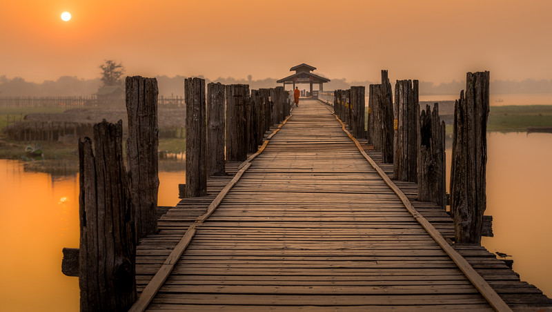 Still waters under the bridge (Amarapura, Myanmar)