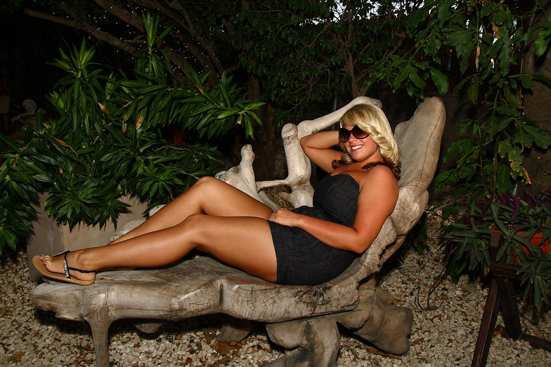 <center>IMG#1101  Home-grown Aruban wood carved into a Setee... oh yes...and Rachel<center>