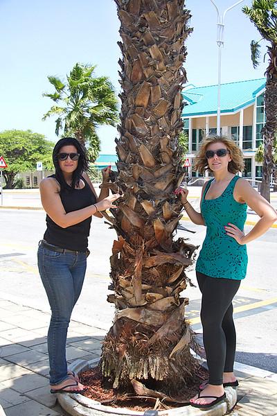 <center>IMG#9989 DAY 1- ARUBA 2012 Rachel & Amanda strike a pose @ the airport<center>