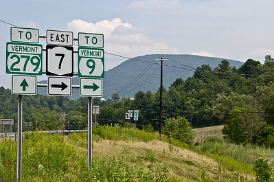 IMG#4458 July 23, 2011 - DAY 1 Road signs to Vermont...
