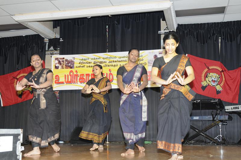 வாசு சின்னராசாவின் மாணவிகள் நடனம்
