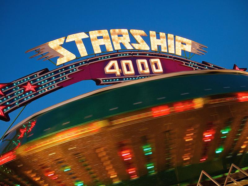 Starship 4000, Parking Lot Carnival - Round Rock, Texas