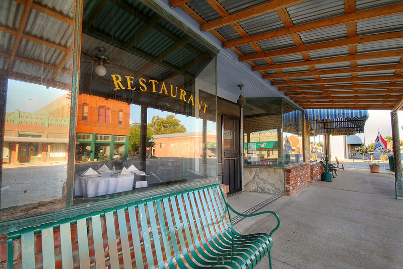 Restaurant - Downtown, Smithville, Texas