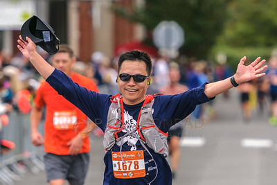 2017 Bellingham Bay Marathon - Shengquan Liang finishes