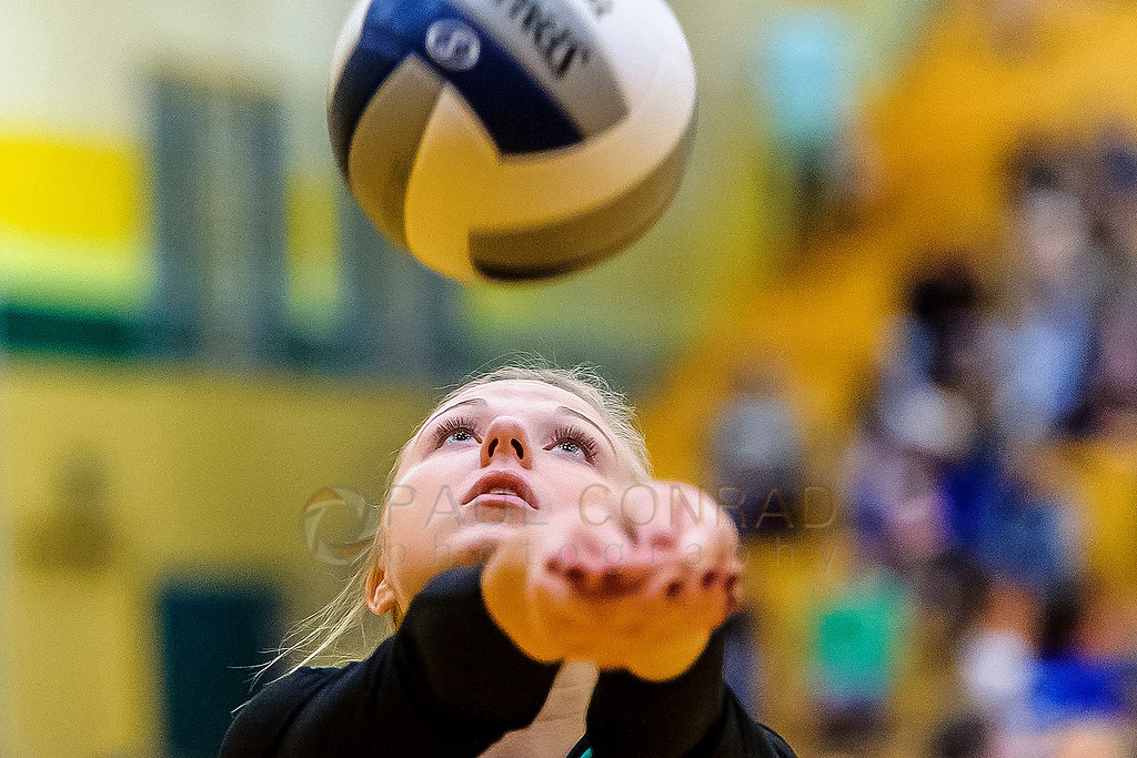 District 2A Washington State Playoffs - Lynden's Kyla Bonsen (2) returns a spike during the third game against  Blaine in the 2A varsity girls volleyball playoffs on Saturday afternoon Nov. 4, 2017, at Lynden High School in Lynden, Wash. Lynden won the match defeating Blaine 25-18, 25-18, 25-20 to advance to the state playoffs.   (© Paul Conrad/The Bellingham Herald)