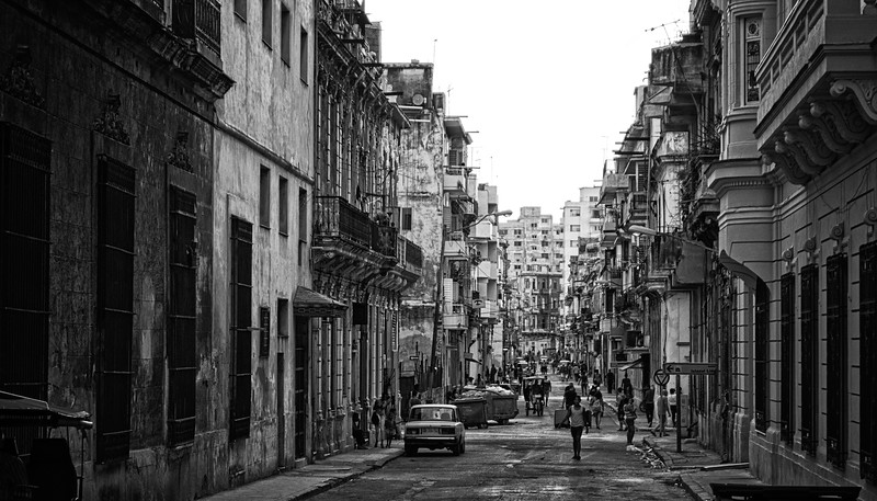 Havana Street Scene 4 B&W