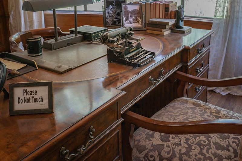 Manchester Boddy's Desk