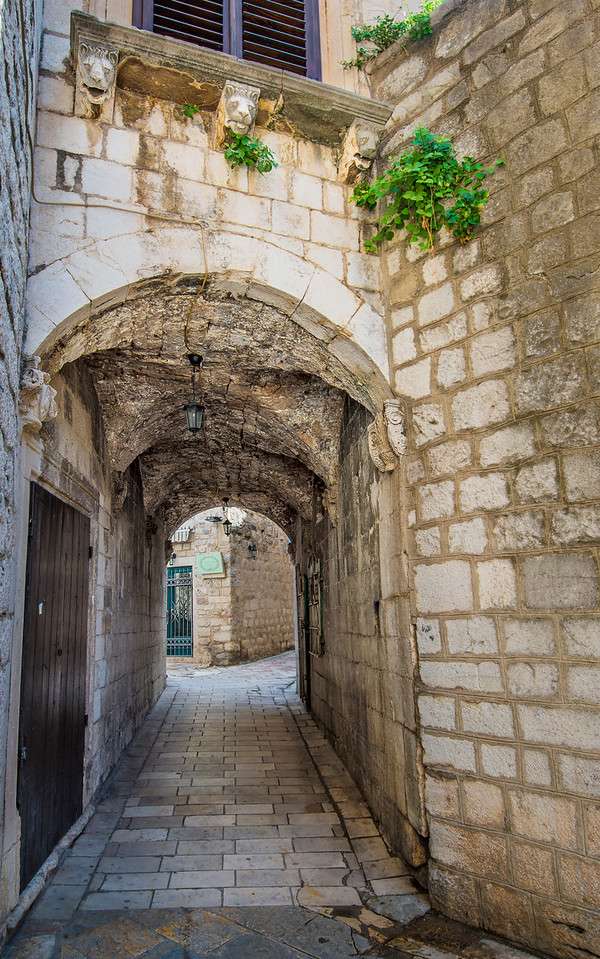 Kotor Arches