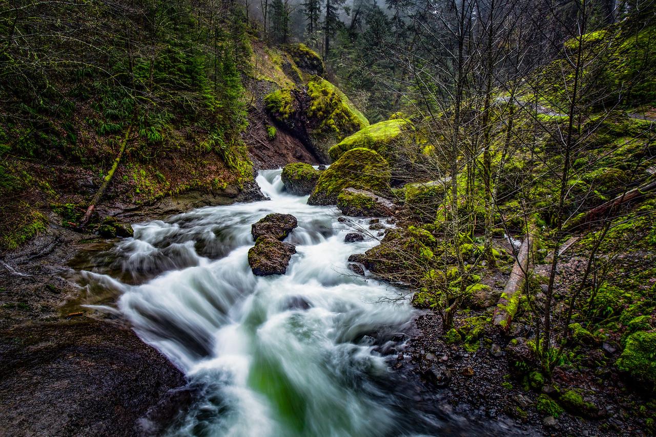 Wachlella Falls Creek