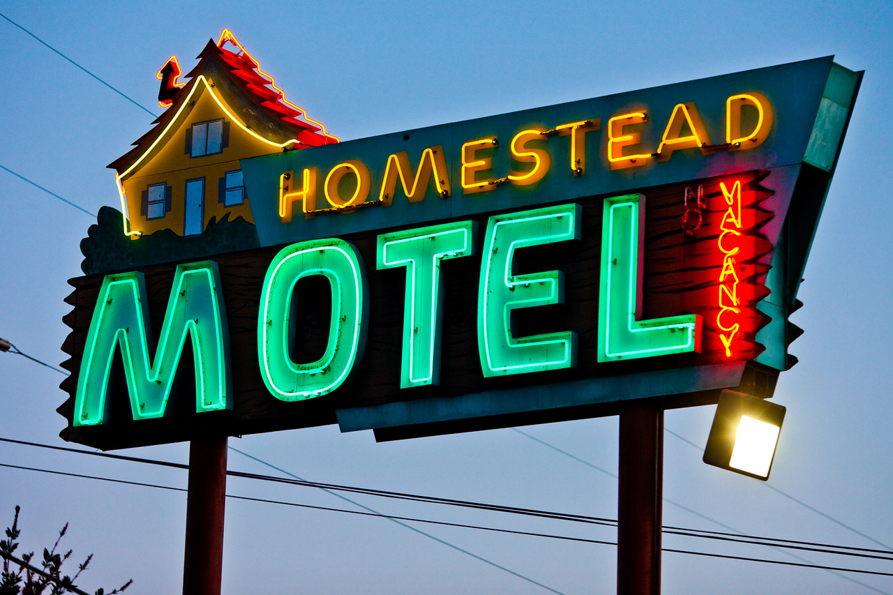 A String of Motels Across America 1,000 Miles Long