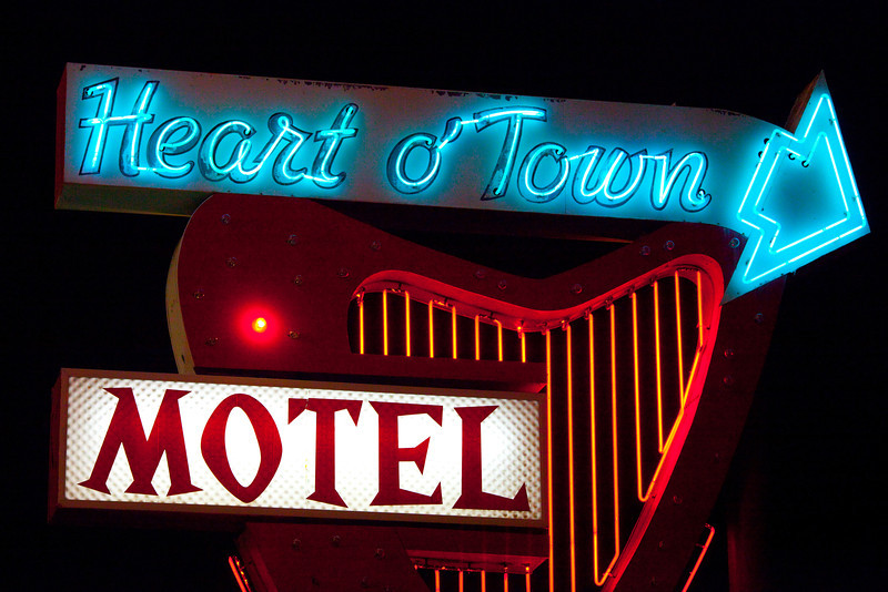 Heart O Town Motel, Plate 2