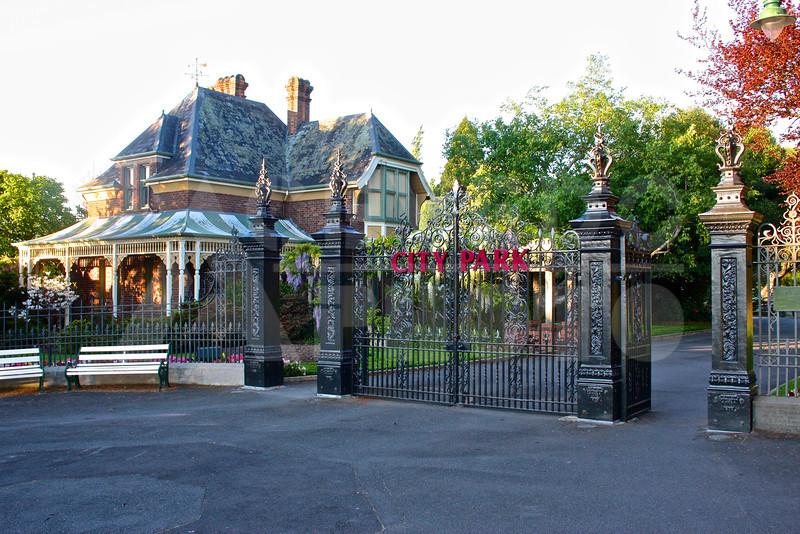 Launceston 20111023 040 City Park - Gate M