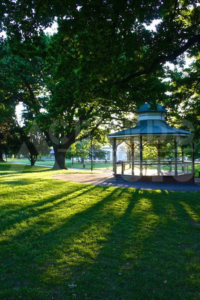 Launceston 20111023 078 City Park - Memorial Gazebo M