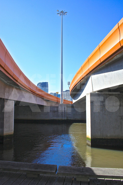 Melbourne 20111018 188 Under Charles Grimes Bridge M