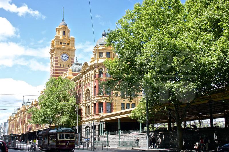 Melbourne 20111016 051 Flinders St Station M