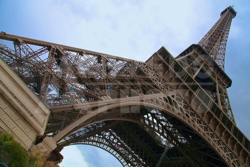 Paris 20120413 067 Architecture - Eiffel Tower M