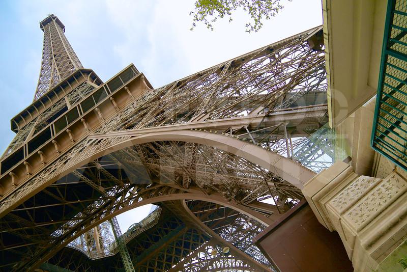 Paris 20120413 083 Architecture - Eiffel Tower M