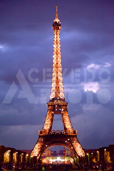 Paris 20120413 111 Architecture - Eiffel Tower - Night M