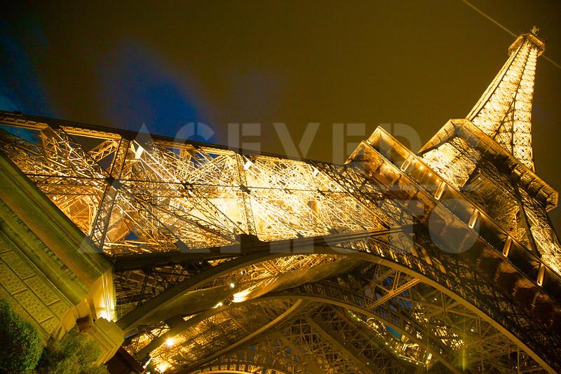 Paris 20120413 129 Architecture - Eiffel Tower - Night Mr