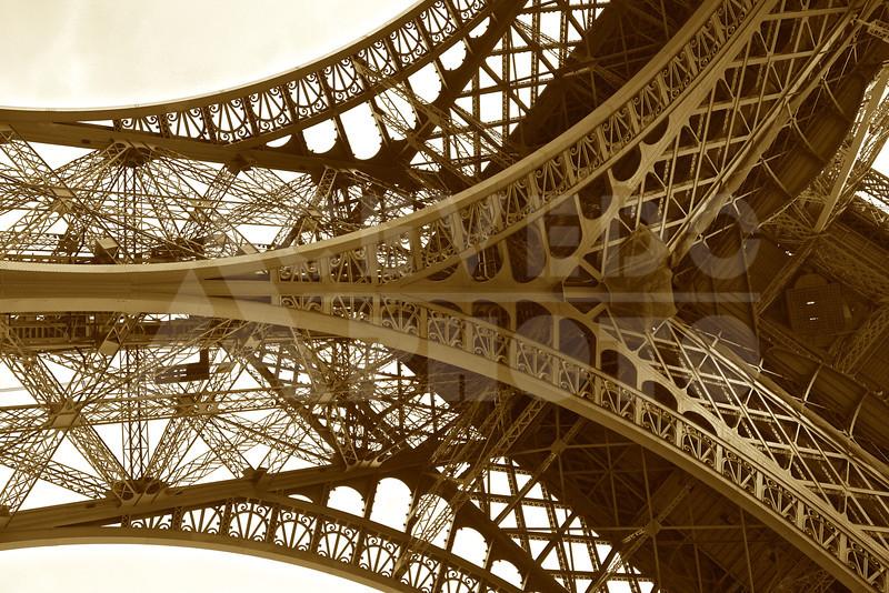 Paris 20120413 080 Architecture - Eiffel Tower M