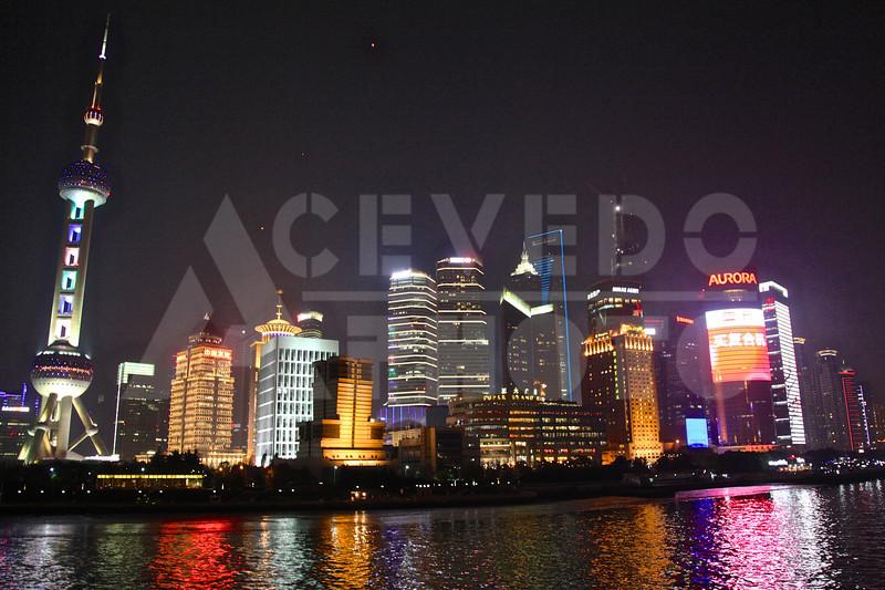 Shanghai 20130303 086 Shanghai River Boat Night M