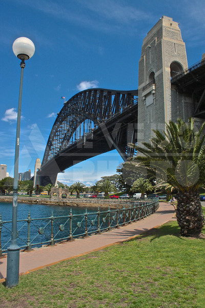 Sydney 20111009 081 Harbour Bridge Milson's Point M