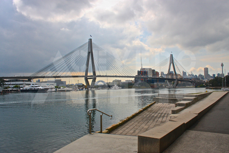 Sydney 20111007 043 Glebe Anzac Memorial Bridge - Version 2 M
