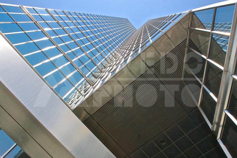Toronto 20110618 324 Sun Life Plaza M