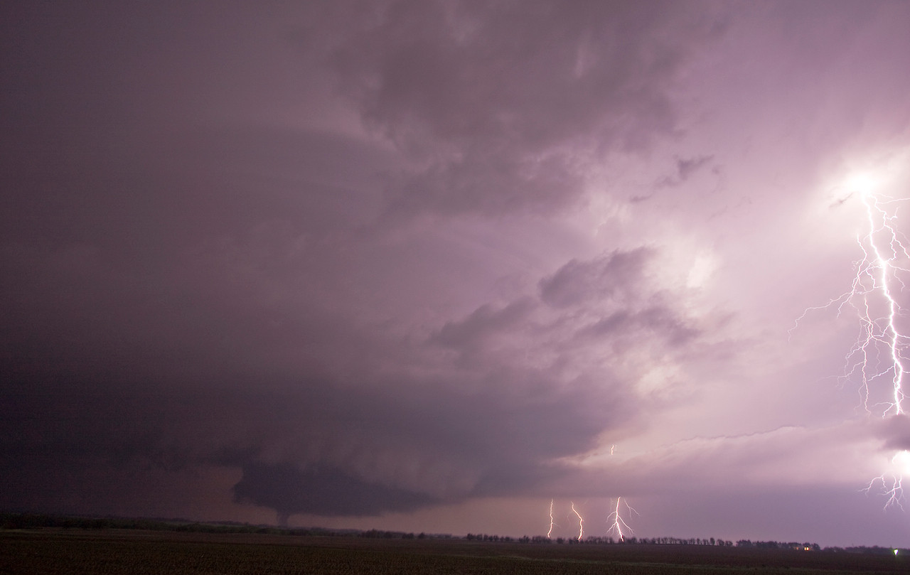 IMG 6073A -- Nighttime Tornadic Supercell