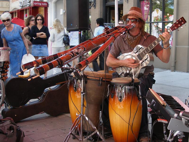 A handful of Didgeridoos, Buskerfest 2008