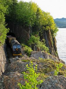 CD66 CD66 hauling a CargoNet freight train near Hell st.