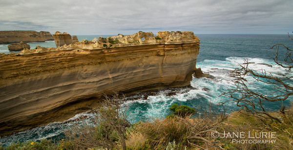 Razorback and Waves, Port Campbell National Park