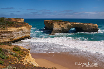 London Bridge No More, Port Campbell National Park