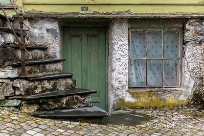 Green Door, Bergen