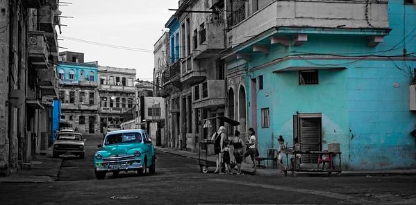 Havana Street Scene 2 B&W