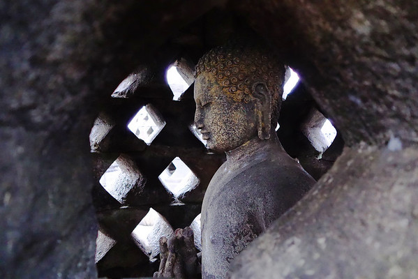 Budda in Stupa 1