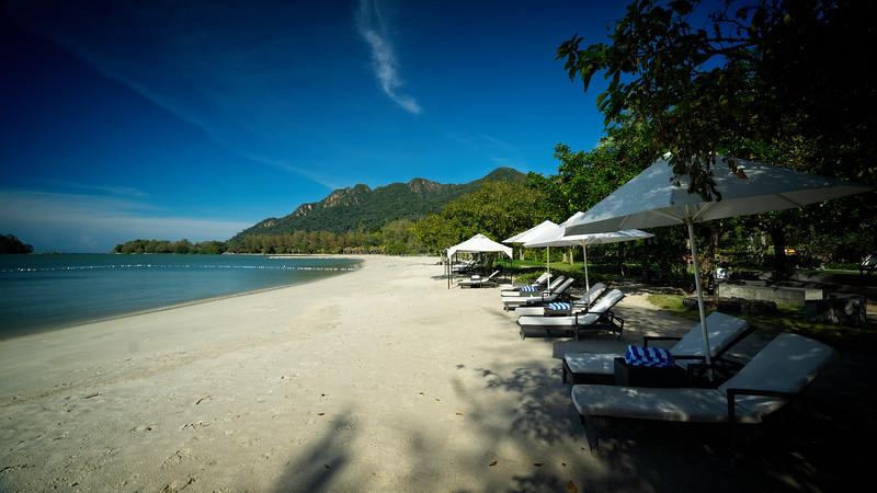 The Danna Hotel Beach 1