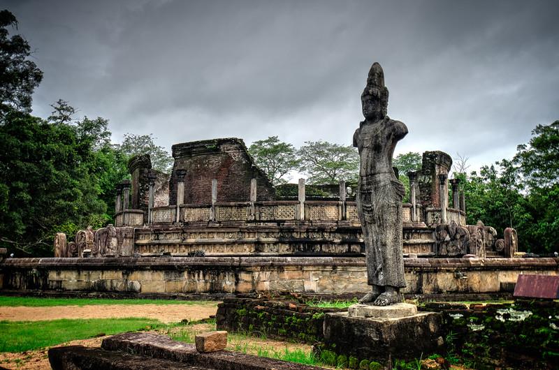 Polonaruwa Statue