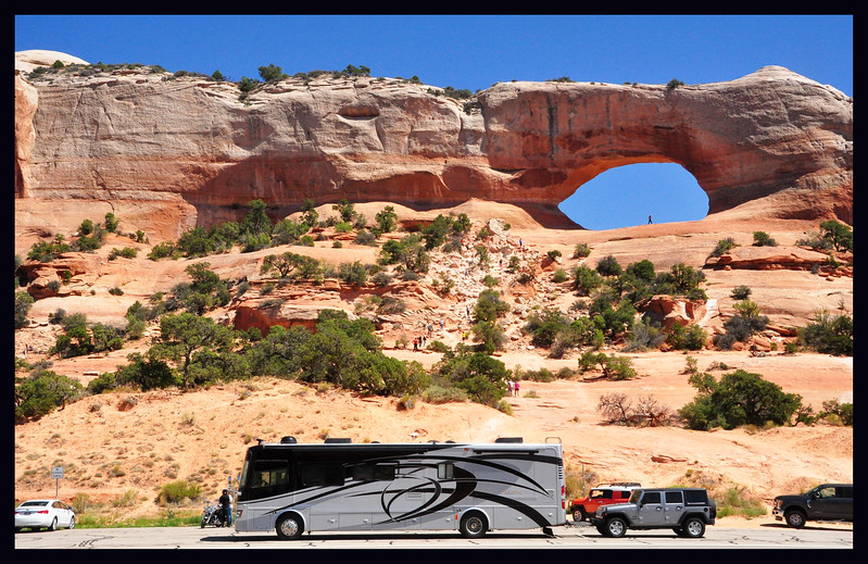 Phay and JW at Wilson Arch