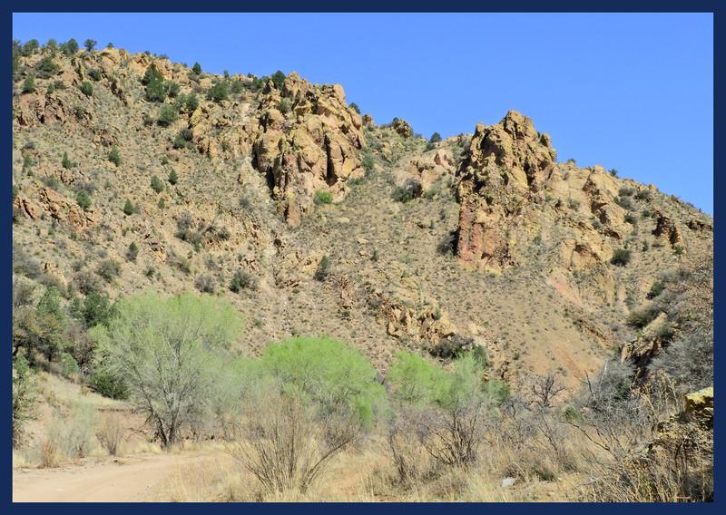 Saddle Rock Road